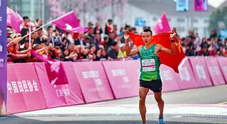 赛道速读 | 上半年国内马拉松第一次大井喷 董国建李子成收获冠军
