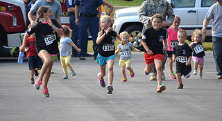 热点 | 一则新闻 两组调查 三个故事 四条建议 教你如何带小朋友跑起来?