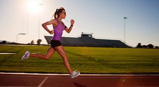 新手跑者入门之操场训练与道路训练怎么选