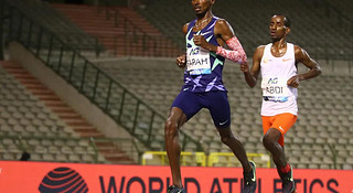 男女1小时跑世界纪录均告破 纯女子半马世界纪录告破 | 跑圈十件事