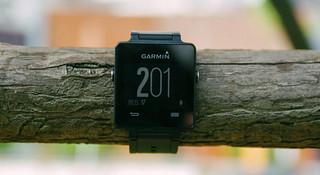 开箱 | Garmin vivoactive 智能运动手表:我比手环多几环