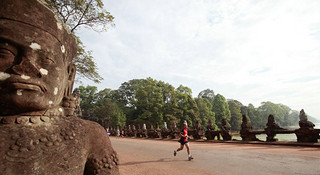 高棉的微笑—吴哥窟半程马拉松赛