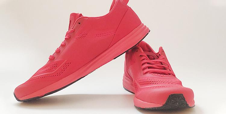 听说你一个跑者为了测评一款鞋子,差点去完成了次铁三?