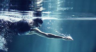 游泳的进阶之路—铁三选手训练指南