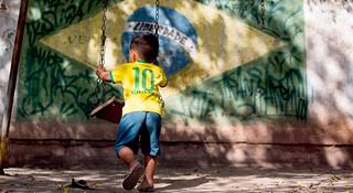 里约奥运 | 走出聚光灯下的阴影  照亮贫民窟里的体育梦