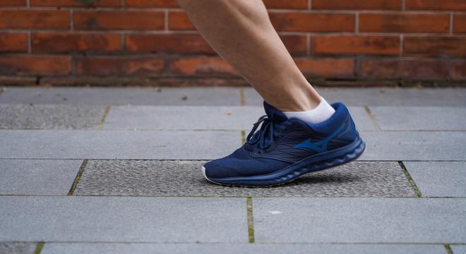 跑鞋| 指引方向的 MIZUNO WAVE POLARIS