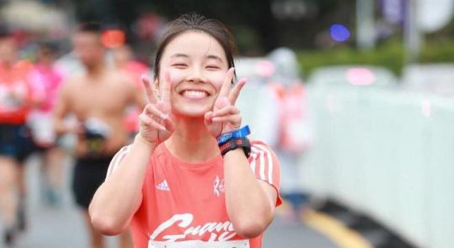 跑荒大步慢摇 打卡小细蛮腰—记2018广州马拉松