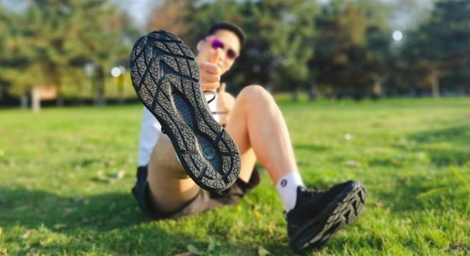 舒适、稳定的慢跑鞋——UA HOVR Phantom 2测评
