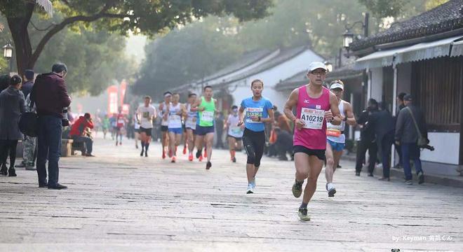 跑过名人的故居 - 绍兴马拉松赛记