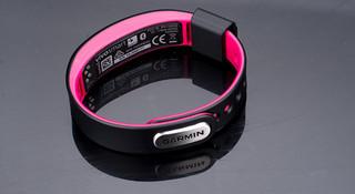 不只是手环—Garmin Vivosmart 智能运动手环开箱评测