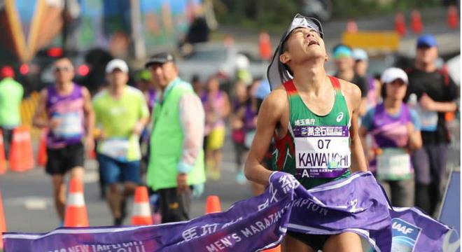 赛道速读 | 罗川拿下成都双遗马拉松女子冠军 川内优辉力竭夺冠