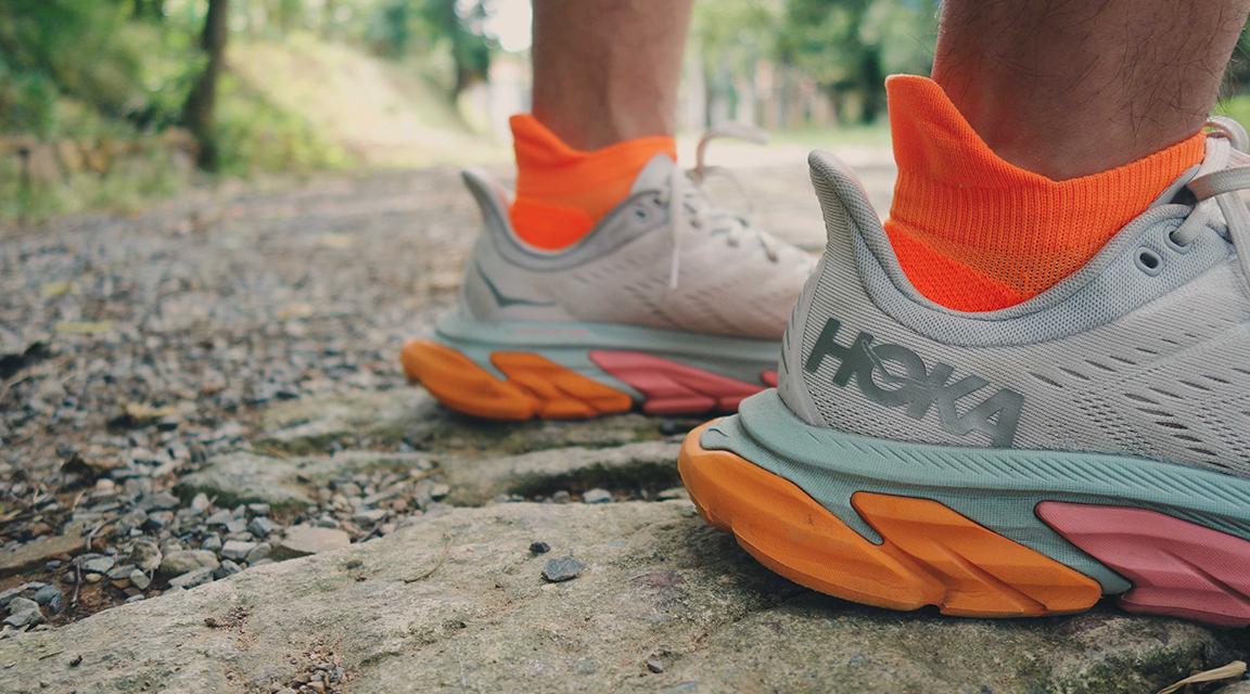 跑鞋 | 极致平稳的落地体验 HOKA ONE ONE Clifton Edge