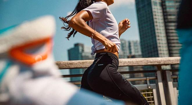 数据证明碳板鞋对女跑者的提升帮助更大?
