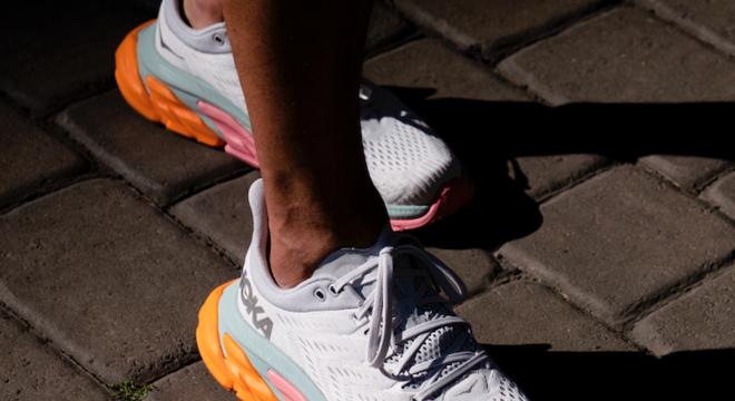 HOKA ONE ONE推出Clifton Edge(克利夫顿先锋)为你提供更平滑流畅的跑步体验