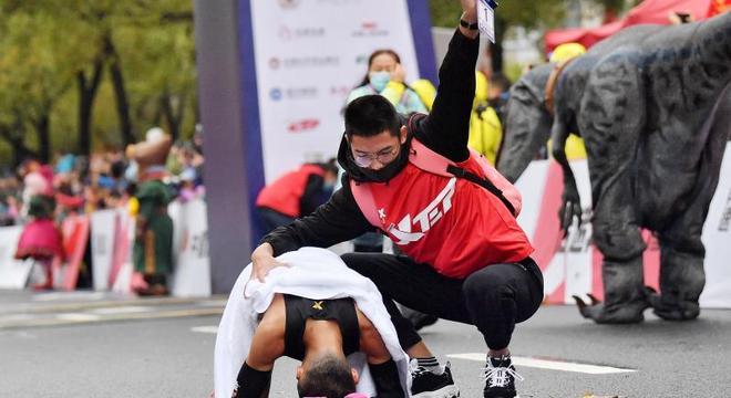 贵州选手多精英!岑万江、丁常琴常州夺冠丨中国马拉松精英排名赛