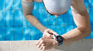 终于能跟心率带说再见了,游泳可以更轻松