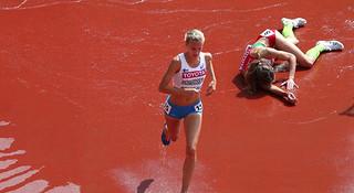 那些摔出来的跑步世界冠军