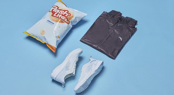 跑鞋|去年高摘斗轻盈 FLASHLITE 安踏氢跑鞋2.0