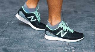跑鞋 | New Balance HANZO T一双冲出二次元的跑鞋