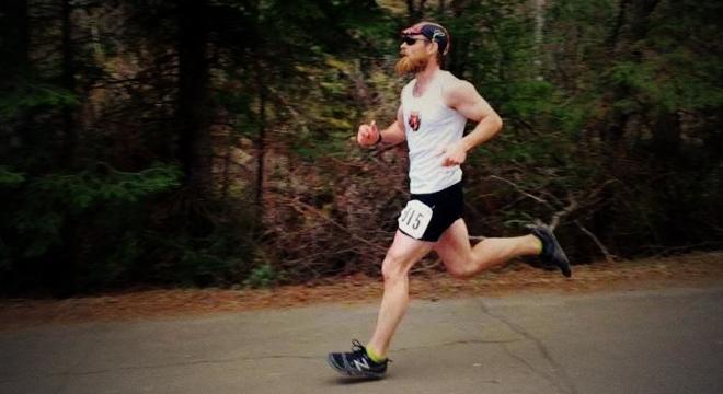 人物 | 明尼苏达州有个爱越野跑的镇长