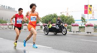 侬好上马 | 马拉松跑最快的英语老师