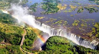 邂逅维多利亚瀑布,到津巴布韦跑马拉松
