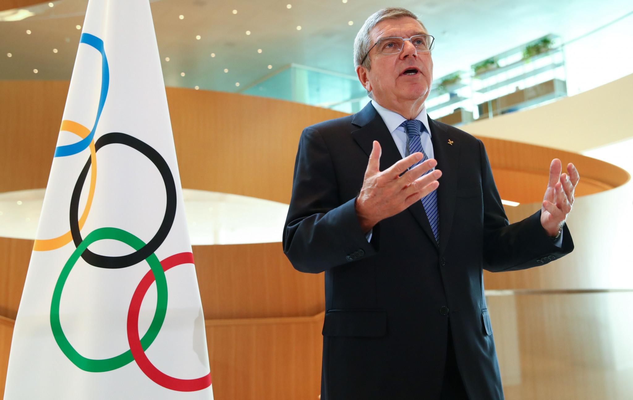 国际奥委会主席巴赫称 奥运会若无法如期将被取消 | 跑圈十件事