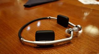 耳机也跨界 Zik Sport 运动耳机计步与心率双管齐下