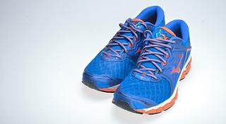 开箱 | Mizuno Wave Sky 可能是最软的美津浓跑鞋