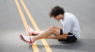 跑步之后腿脚酸痛怎么办?