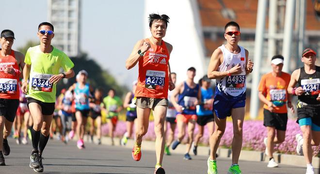 天下跑功,唯爱不破 ——2019广州马拉松跑记