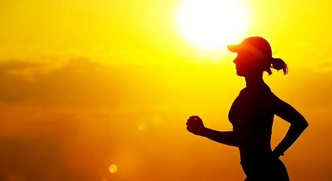 燃烧大数据   地球越变越暖,跑者越跑越慢?