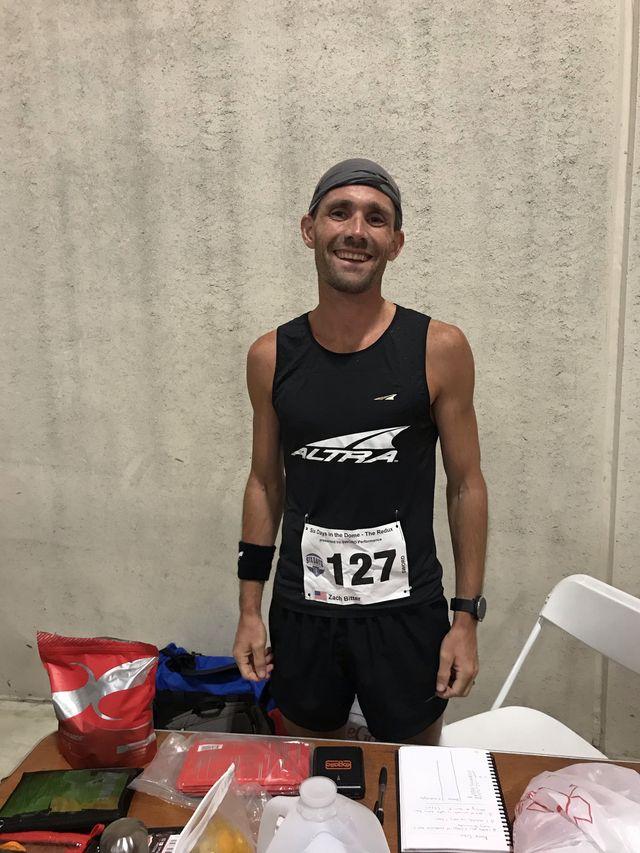 百英里12小时超马纪录双双告破 | 跑圈十件事