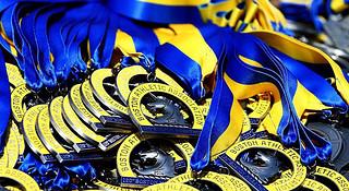 波士顿马拉松 | 独角兽指引下的名人们